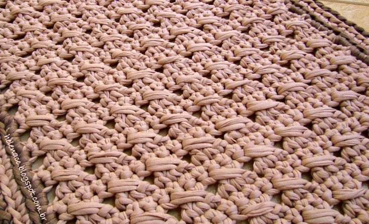 TAMBIÉN ... CROCHETO: Puntos de alfombras rectangulares en alto cruzó Trapilho