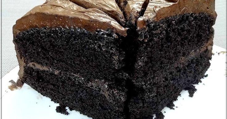 Csak annyit fűznék hozzá, hogy rövid idő alatt háromszor kellett megsütnöm ezt a tortát. A tésztája nagyon egyszerű ( ebből a tésztából ...