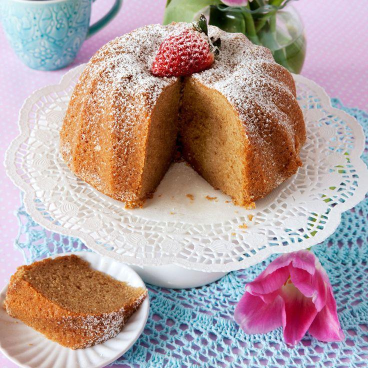 Farinsockret i den här sockerkakan ger en läcker kryddig smak.