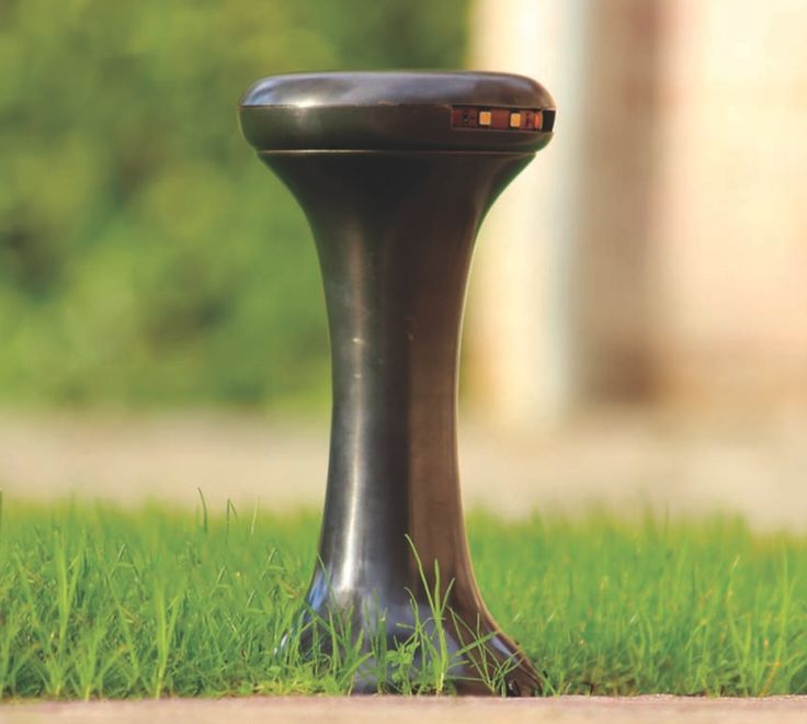 LED-Bodenstrahler mit Fuss aus Messing Galed von Authent - Außenleuchten