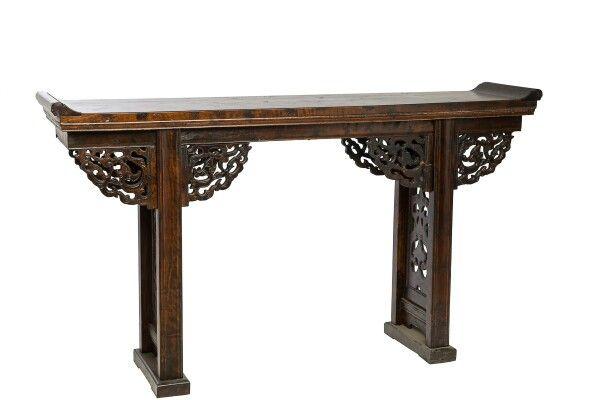 Эксклюзив!   BF-20087 - Цяотоуань-лон - стол для хранения ритуальных предметов. Династия Мин  Главной особенностью дизайна интерьера в китайском стиле является богатство отделки помещения, минимум мебели и функциональность всех предметов интерьера. Для китайского стиля подойдет простая лаконичная мебель из темных пород дерева.   www.kitaischina.ru  #консоль #стол #пагоды #жуи #резьбаподереву #мебельручнойработы #китайскаямебель #восточнаямебель #этническаямебель#мебельиздерева #эксклюзив…