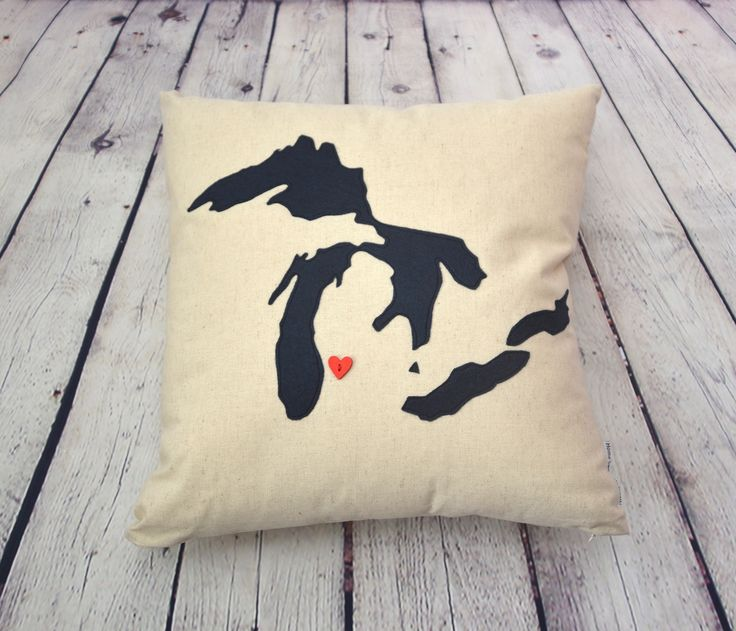 Thanks for the great review Carrie L. ★★★★★! http://etsy.me/2hX6jYf #etsy #housewares #pillow #beige #michiganpillow #greatlakespillow #lakemichigan #customlakespillow #custompillow #statepillow