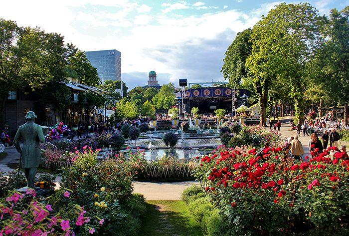 Парк развлечений «Сады Тиволи» в Копенгагене, Дания