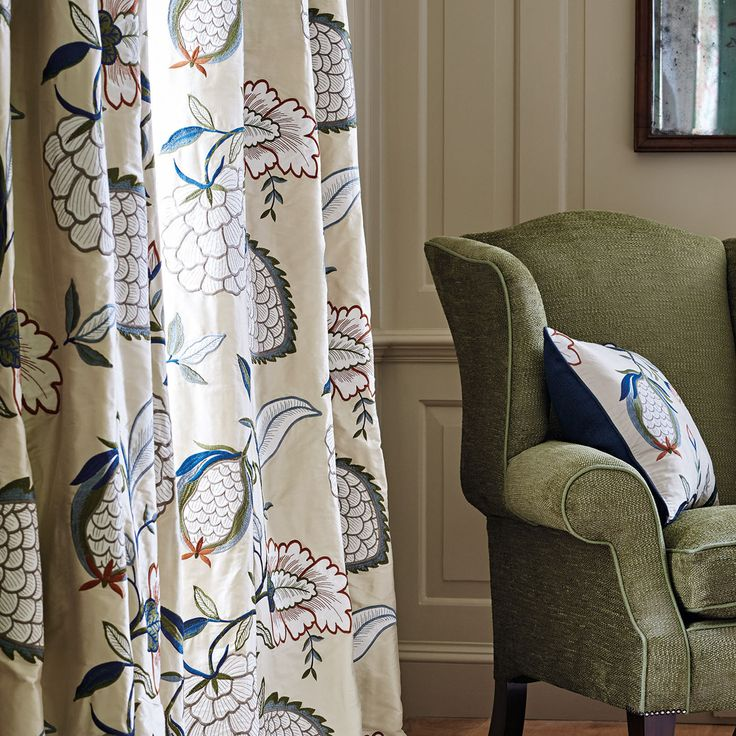Pomegranate Tree was adapted from the Winterbourne print. Similar 16th century motifs of pomegranate and fruit have been stylised and arranged as a two-over embroidered trail, featuring linen appliqué on a silk ground.