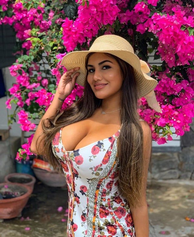 Kleine Skinny Latina Teen