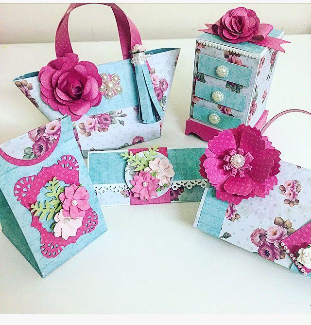 papéis by Mamiko - papeis by Flavia Terzi e cardstock bolinha pink com flor artesanal e flores feitas com furadores