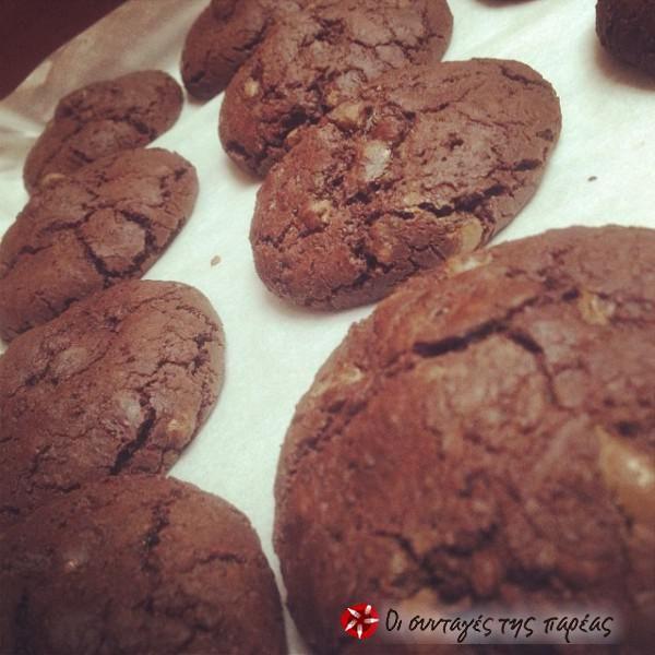 Σοκολατένια cookies γεμισμένα με καραμέλα #sintagespareas