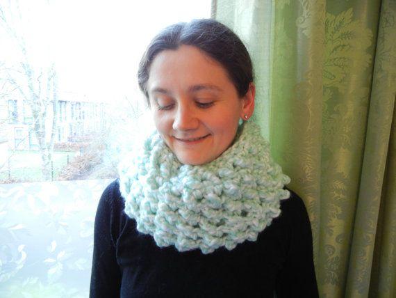 Chunky mint white crochet scarf crochet cowl white door EraOfCrea