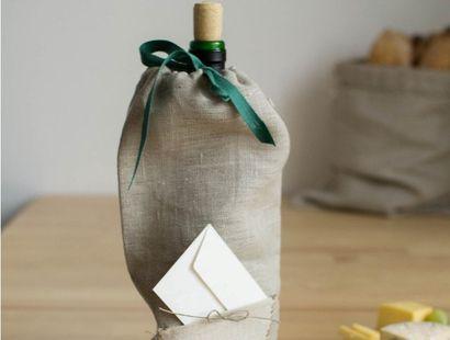 Dobre wino to zawsze fajny prezent. Staje się jeszcze lepszy w TAKIM opakowaniu! http://sztukadlasztuki.pl/targ/kategoria/torby-torebki-sakwy/leniwy-walenty/97/11137/