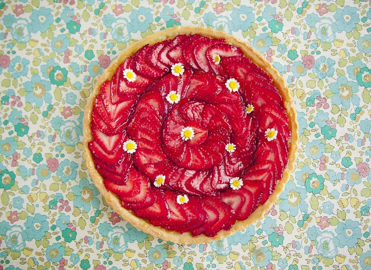 Torta de morango Strawberry Fields Forever - Rainha da Cocada - Programas - GNT