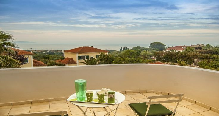 "Welcome to the ""Villa Kefalonitisa"" in Kefalonia, Greece. Your #luxury #villa #rent #greece #greek #island #vacances #grece #mygreekvilla #alouer"