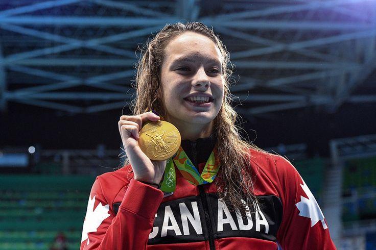 11 août 2016 - En remportant l'or du 100 m style libre jeudi soir, son quatrième podium aux JO de Rio, Oleksiak est devenue l'athlète canadienne la plus médaillée dans une seule présentation des Jeux olympiques d'été.