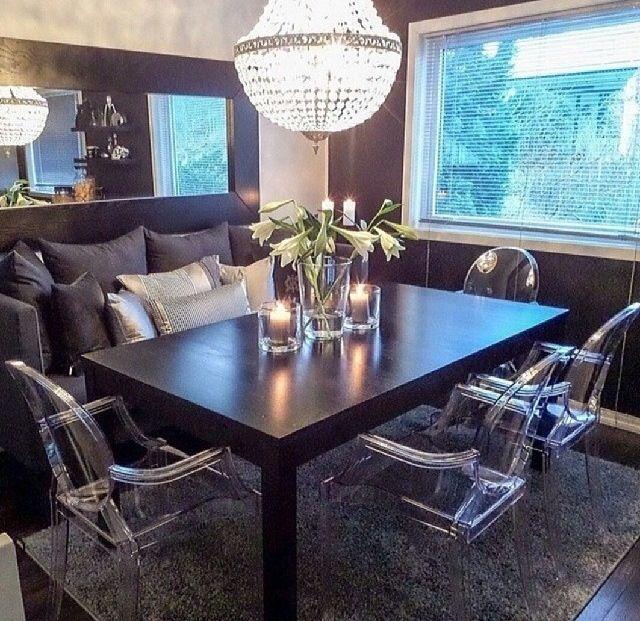 Glam Dining · GeisterstühleWohnkultur IdeenIdeen Fürs  ZimmerZimmereinrichtungGemütliche SpeisesäleDurchsichtige StühleIdeen Für  Die Küche