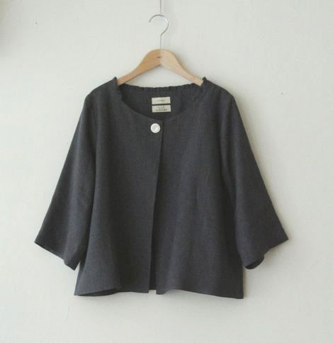 lovely linen jacket by LINNET リネンドレス