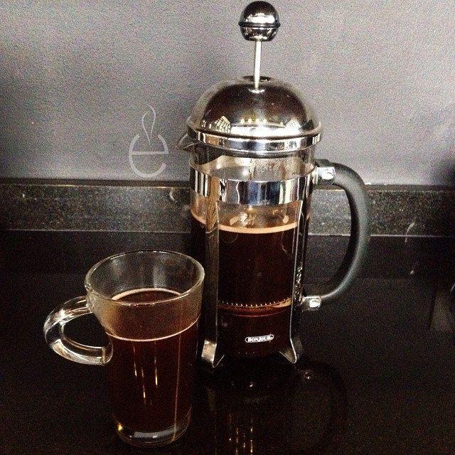 Nada mejor que empezar el día con un buen CAFE #LosEspejos #VallePoniente                Café Artesanal 100% Mexicano recien molido hecho en una Prensa Francesa  |  Fresh grind COFFEE in French Press