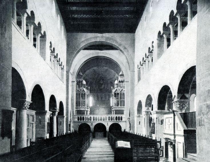 242. Церковь св. Кириака в Гернроде. Построена после 960 г.; западный хор - 12 в. Внутренний вид.