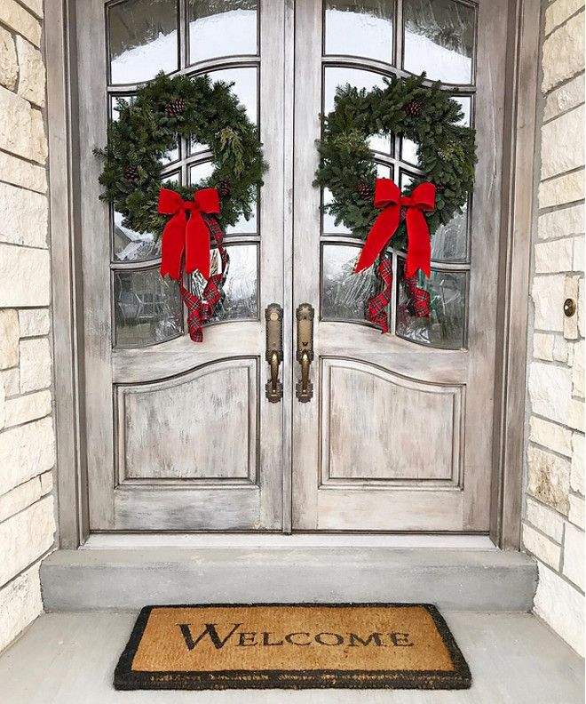 942 best christmas decor images on pinterest merry for Front door xmas wreaths