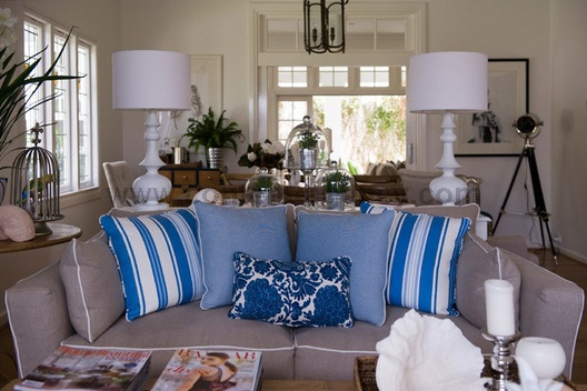 blue and taupe: Decor Ideas, Accompani Texts, Offer High, Image, Features Stories, Lounges Rooms, High Quality, Families Rooms, Quality Photo