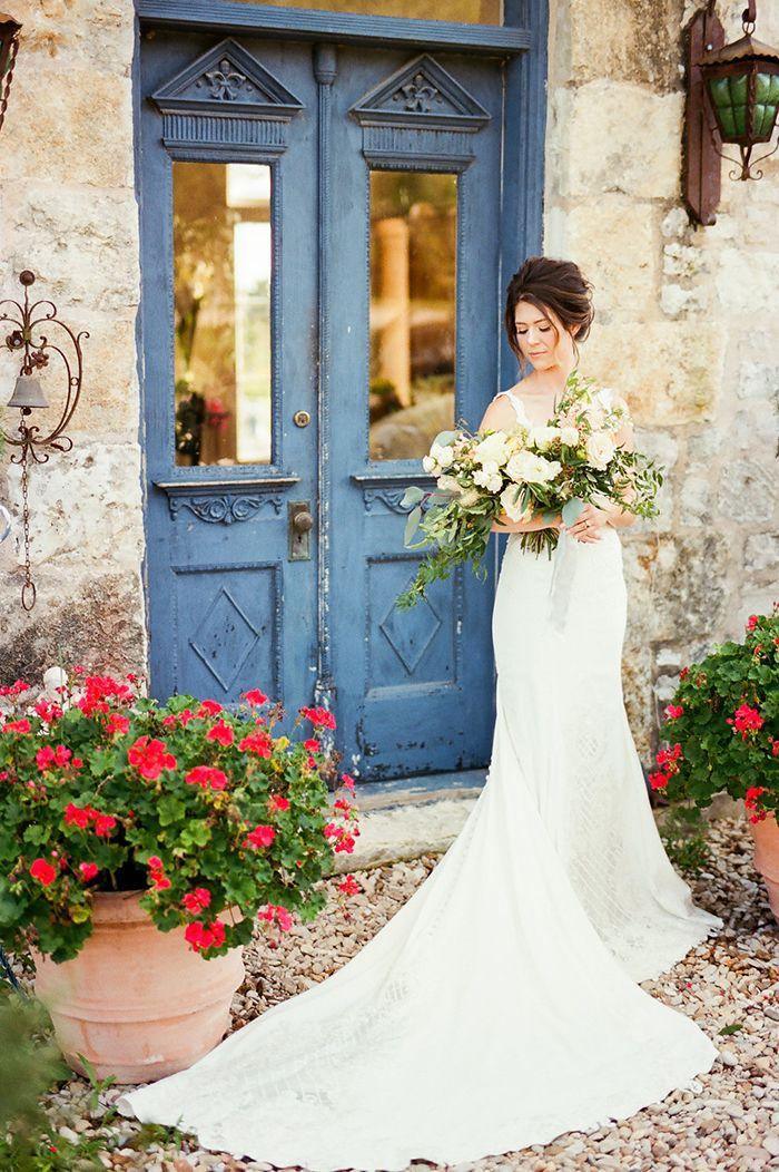 European Wedding Style in the Heart of Texas  https://heyweddinglady.com/craft-cocktails-summer-sun-european-style-wedding/    #wedding #weddings #weddingideas #texaswedding #weddingstyle #weddingdress