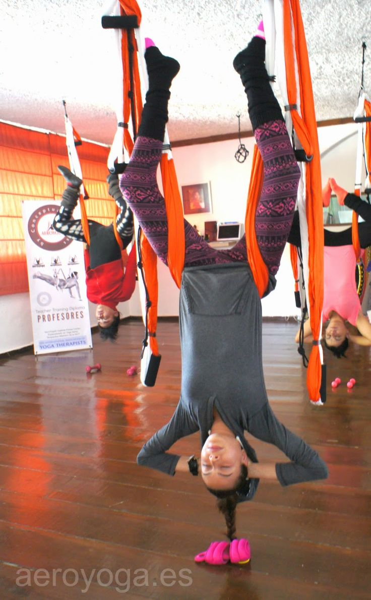 yoga aereo inversiones #yoga #Fitness #rafaelmartinez #teacherstraining #gym #INVERSIONS #AERIALYOGA #Aerial #aerien #luft #yogaacrobatico #acro #ACROBATIC #acrobatico #pilatesaereo #Pilates #formacion #certificación #fly #volar