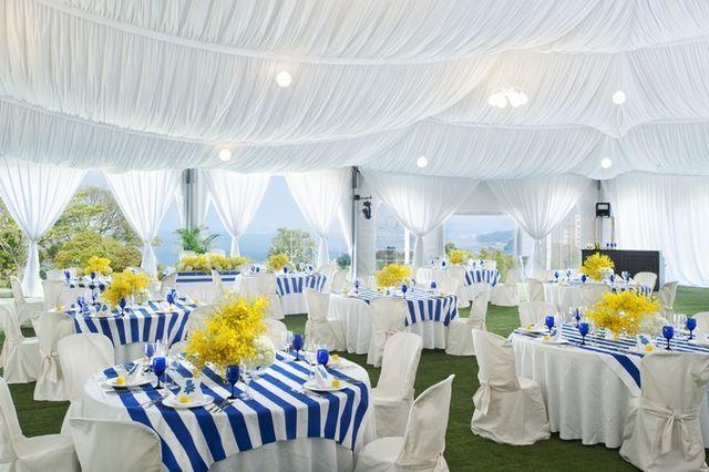 結婚式場写真「【ザ・ガーデンテラス】パーティのメイン会場となる白亜のパーティテント。目の前にはガーデンチャペルとふたりの自由に使える広大な芝生が広がる。楽しみ方はふたり次第