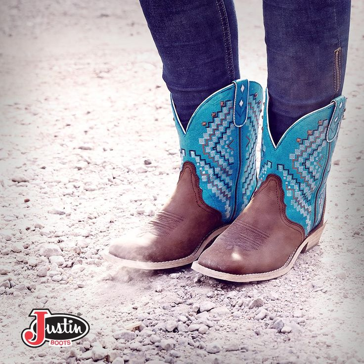 Realllyyyy love these Justins! http://www.justinboots.com/footwear/women/collections/justin-gypsy/L9861