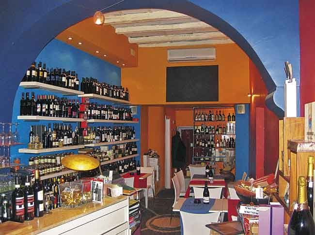 Fafiuché - Roma | italiastraordinaria.it - great for aperitivo. small wine-bar behind the Forum of Augustus (Via Madonna dei Monti, 28).