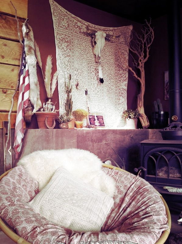 Modern Home Design, Bohemian Interiors, Wall Hanging, Papasan Chairs, Bohemian Living, Living Room, House, Cozy Spaces, Bohemian Gypsy