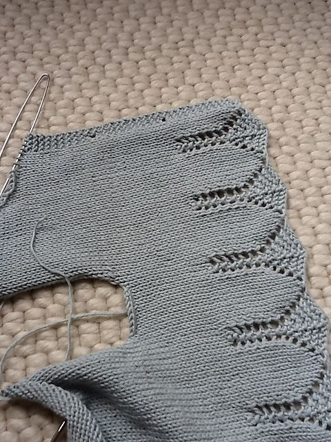 Ravelry: ErikaLondon's Lace edge cardigan