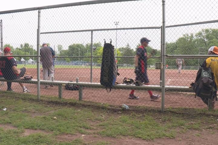 nice Canadian News - Annual Pointe-Claire softball tournament raises money for the Lakeshore General Hospital - Montreal