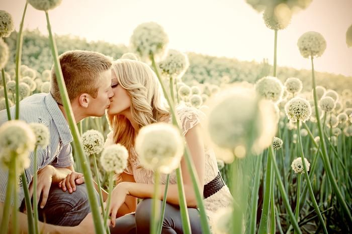 Dream location for an engagement photo session! Romantic Photography