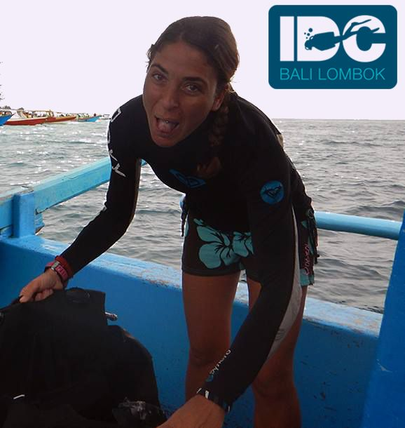 Course Director Isa getting ready for a dive