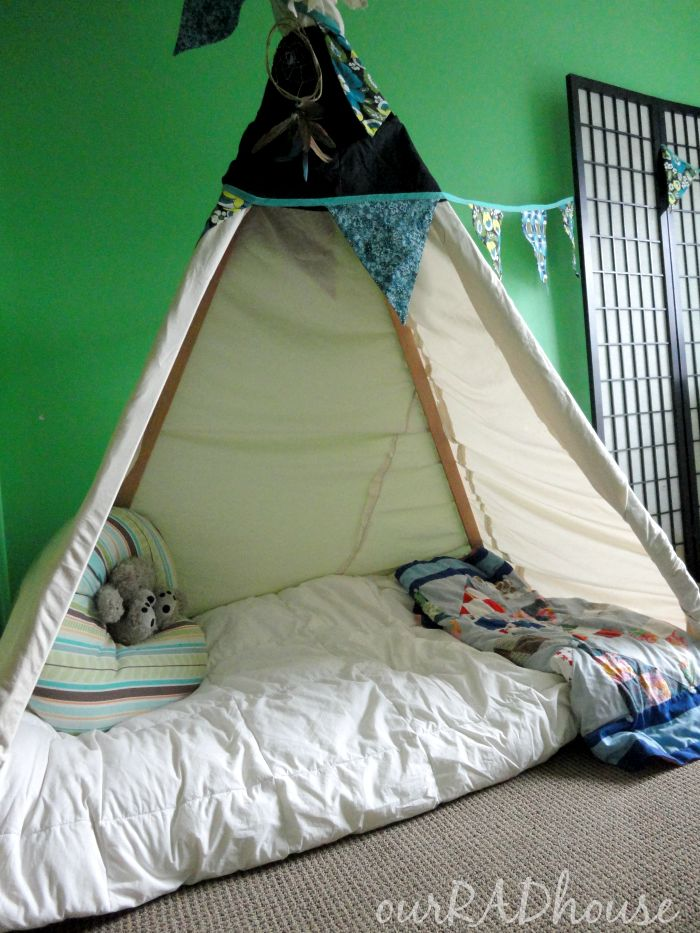 Best 25 Toddler Floor Bed Ideas On Pinterest Montessori And Baby
