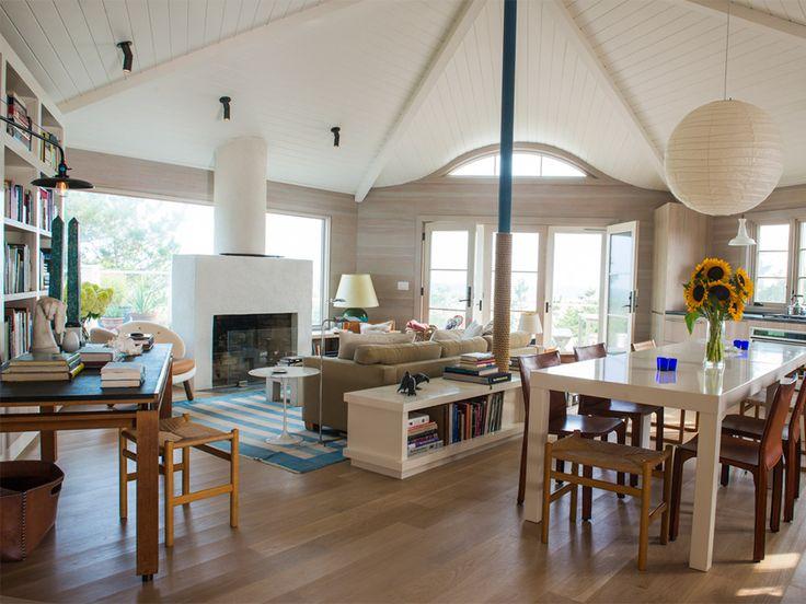 David Netto - Amagansett Beach House :: This looks like an octagonal house. I love the open design.
