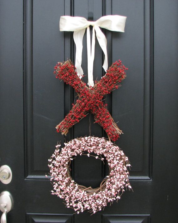 Valentine's Day - Berry Wreath - Valentine's Day Wreath - Kisses and Hugs - XOXO - XXOO - Holiday Wreath - Red Pink