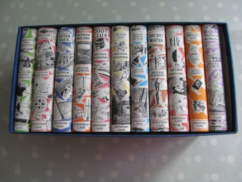 THE-CLASSIC-BOATING-NOVELS-OF-ARTHUR-RANSOME-BOX-SET-SWALLOWS-amp-AMAZONS-FOR-EVER