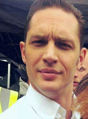 Tom Hardy cuteness... Those lips... ❤❤❤
