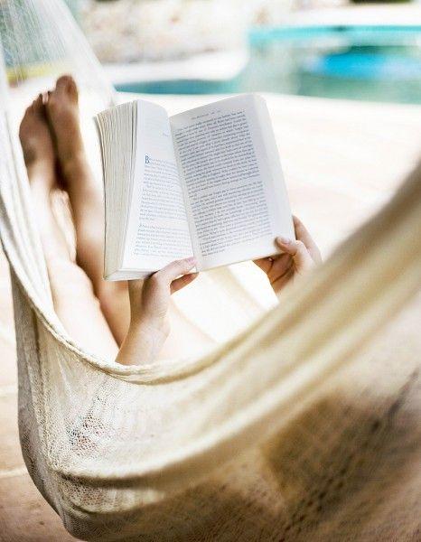 L'été est la période indispensable pour rattraper les lectures de l'année. La rédaction a sélectionné pour vous des livres de 2014 pour s'évader sur la plage et réviser ses classiques. http://www.elle.fr/Loisirs/Livres/Dossiers/Nos-livres-de-poche-preferes-a-emmener-en-vacances