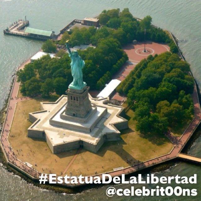 """#EstatuaDeLaLibertad #NY #NewYork #NuevaYork #USA #EstadosUnidos #UnitedStates #ILoveTheWorld  Finalista #7MaravillasDelMundo  La libertad iluminando el…"""