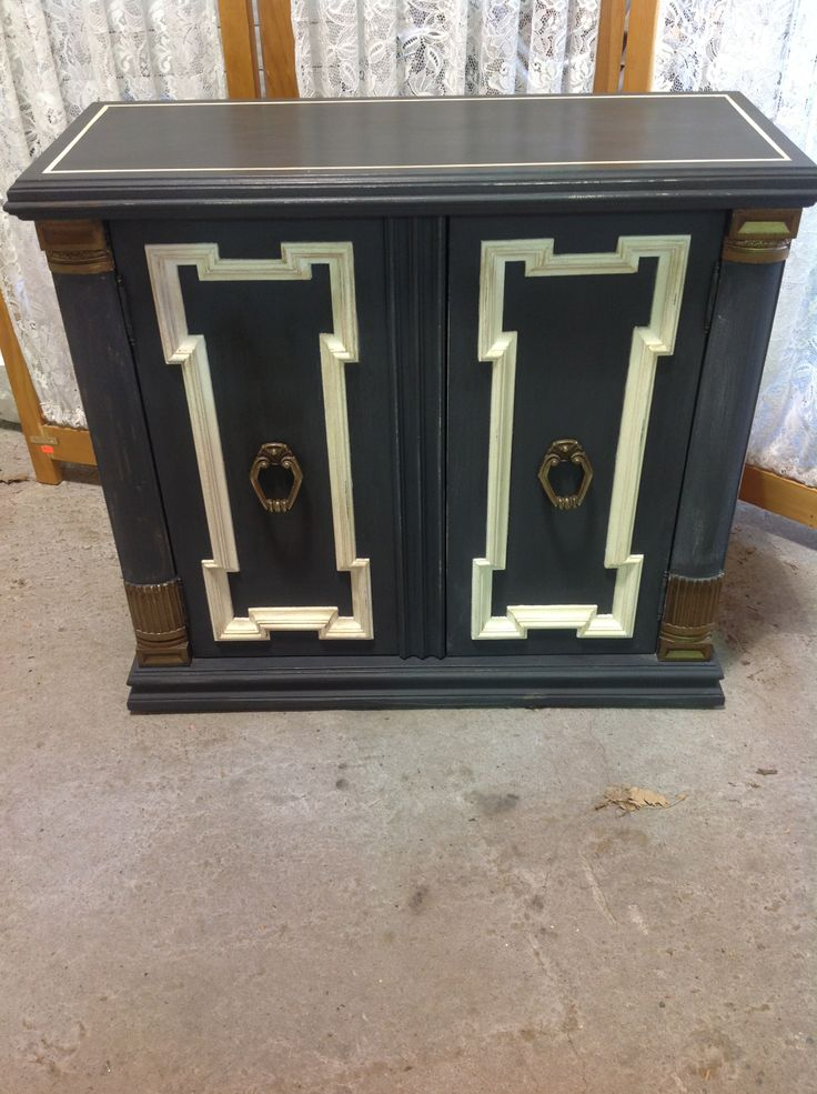 small hall cabinet on wheels, two shelves, painted in chalk paint™decorative paint -graphite and old white, clear and dark wax