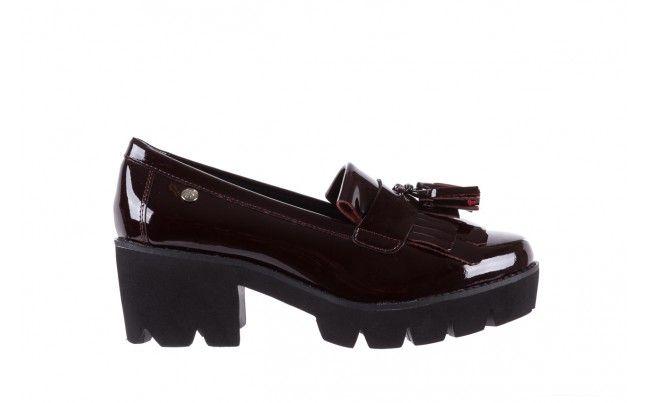 Bayla 018 16471 X23 Burgundy Burgundowe Mokasyny Na Slupku I Grubej Podeszwie Bayla W Calosci Wykonane Z Naturalnej Skory Lakierowanej Loafers Shoes Burgundy