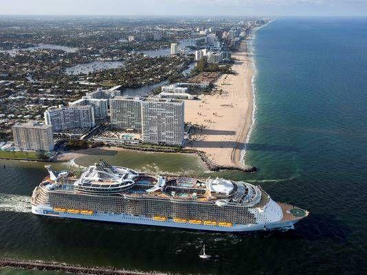 Il gigante dei mari Oasis of the Seas per la prima volta in navigazione verso l'Europa