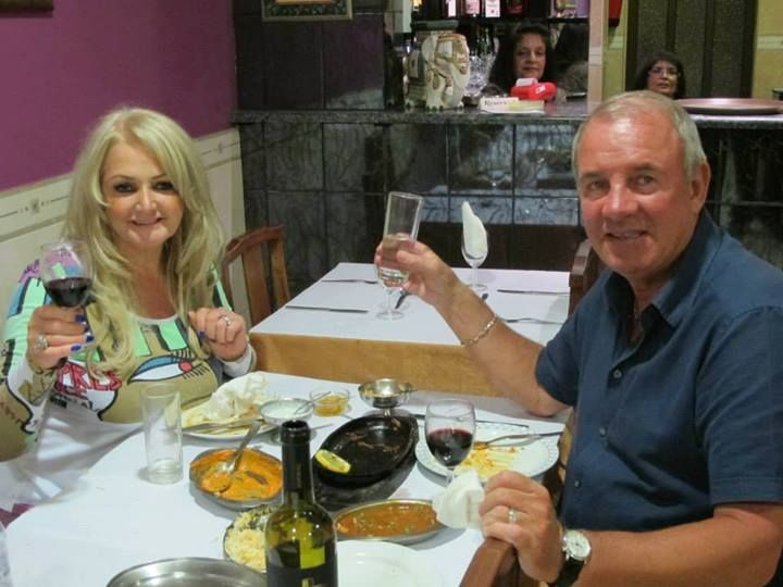 """Here is a great picture of Bonnie Tyler and her lovely husband Robert Sullivan at the restaurant """"Bombay palace"""" an indian restaurant in Albufeira in South Portugal (Thank you to Jan Godschalk for sending to me the picture!)"""