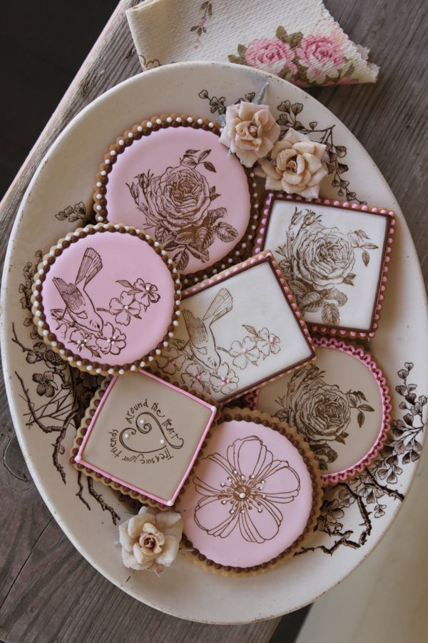 My second community cookie collection - with a Mother's Day theme - is now open on my site. Come see what other cookie decorators are crafting and share your work as well. No competition or prizes (visit my Community Cookie Contest Boards for that); just easy-going inspiration, learning, and fun, about once a month.