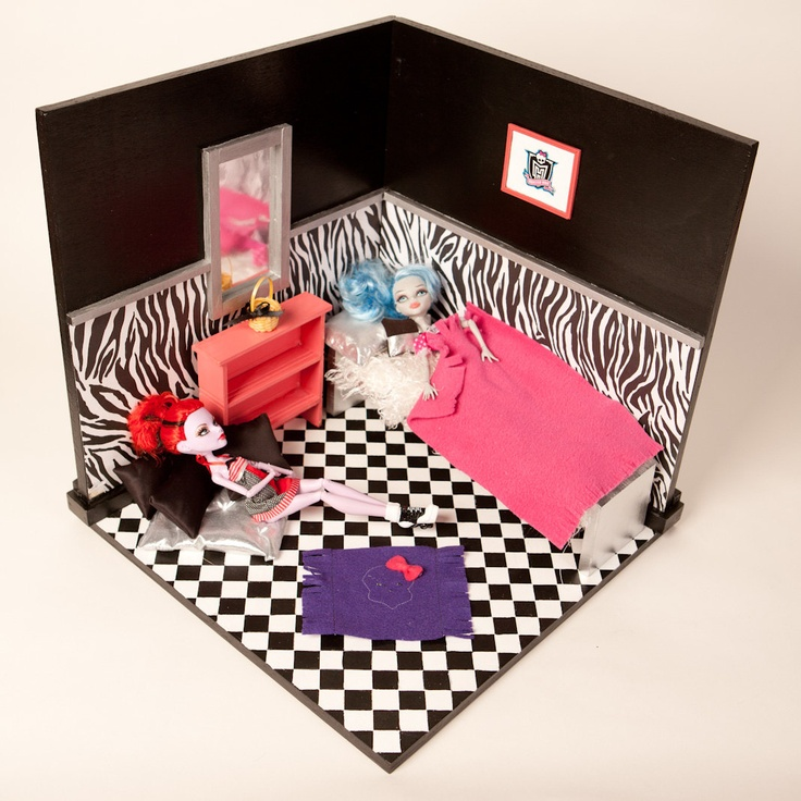 Monster High Display Rooms And Furniture Set