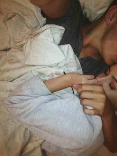 Babe I'm sorrryyy I fell asleeeeppp