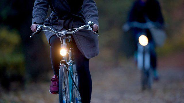 Heller Leuchten So Konnen Sie Das Licht Am Fahrrad Verbessern In