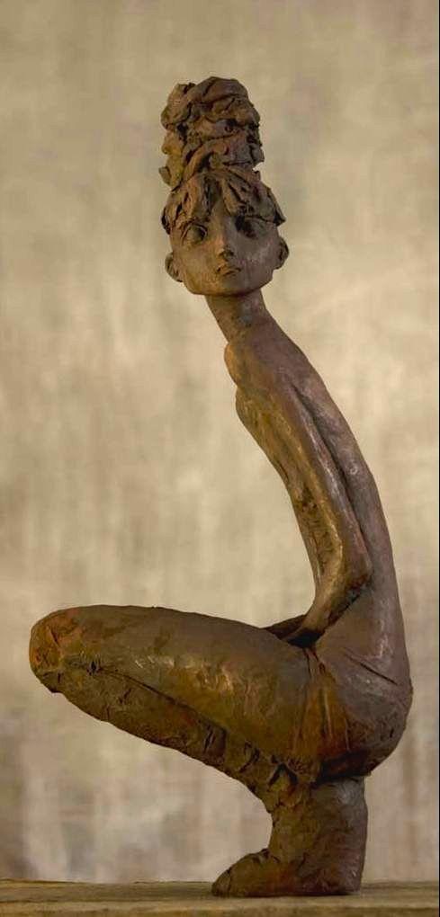 """Les """"petites bonnes femmes"""" de Valérie HADIDA, sculpteure et peintre http://www.lilavert.com/blog_lilavert/les-petites-bonnes-femmes-de-valerie-hadida-sculpteur-et-peintre/"""