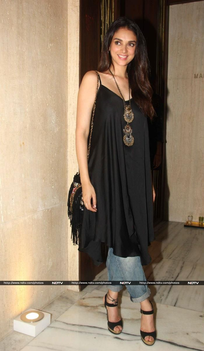 Actress Aditi Rao Hydari looked chic in a flowy tunic teamed with denims.