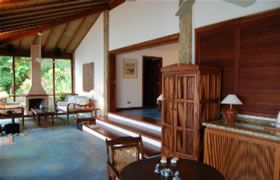 Imóveis (casas, sítios e terrenos) a venda em Paraty e Condomínio Laranjeiras